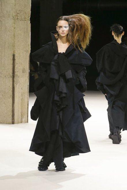 Yohji Yamamoto Fashion-week Paris 43fae4beab1